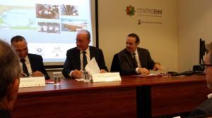El Alcalde de Málaga D. Francisco de la Torre Prados inaugurando el encuentro junto con autoridades académica y municipal de Tetuán