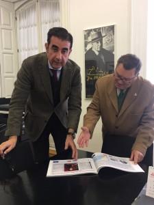 El Texto contiene toda la exposición, organizada en Málaga, por el Foro para la Paz en el Mediterráneo, para conmemorar el 350 aniversario del establecimiento de las relaciones diplomáticas de España y Rusia, acompañando las láminas expuestas, con información adicional, de tal forma que el libro puede considerarse como un compendio de la historia entre los dos países