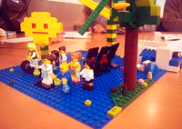 Alumnos de Marketing aprenden a construir marcas con piezas de Lego