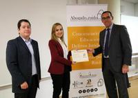 """Inés Aragüez del Corral recoge el premio """"con D de Descanso"""""""